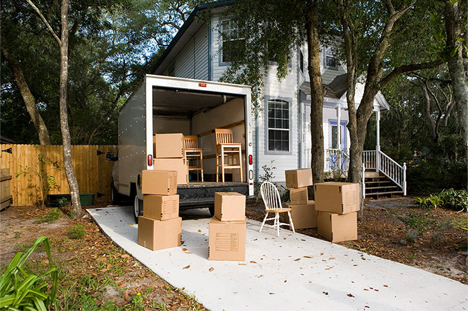 5 Tips for Moving During the Busy Season